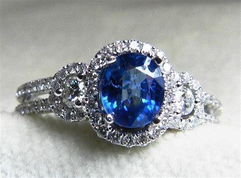 Sapphire Safir Ceylon sapphire engagement ring halo ring 0 93 carat