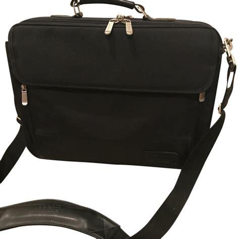 Targus 13 13 3 Inch Laptop Edge Canvas Sleeve Olive Tts00105ap 1 targus black canvas laptop bag tradesy