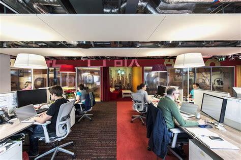 les de bureaux eclairage de bureau de la lumi 232 re dans les bureaux sombres