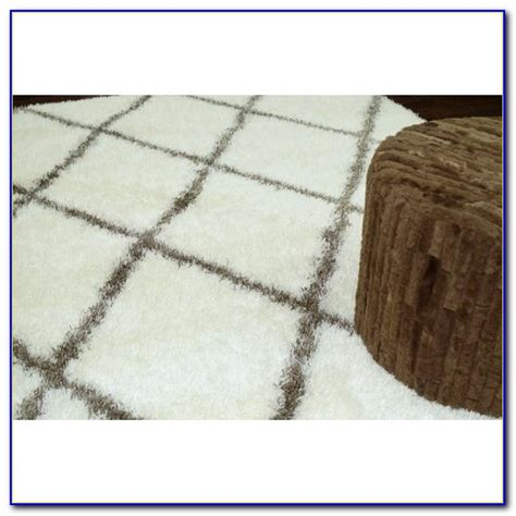 big white rug big white fluffy area rug rugs home decorating ideas n4znyj7wqr
