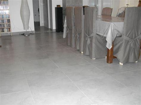 carrelage salon gris clair