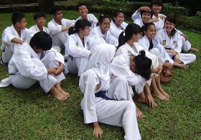Baju Karate Anak gado gado karate itu