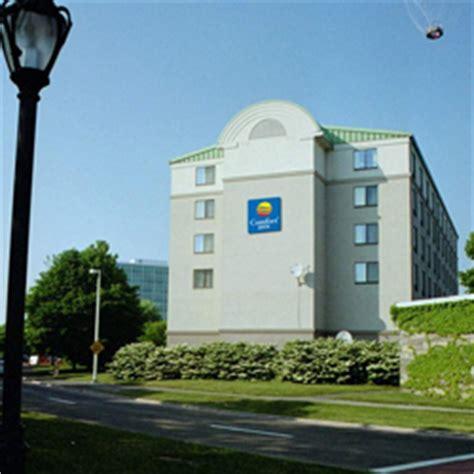 comfort inn niagara falls canada comfort inn the pointe hotel niagara falls canada hotels