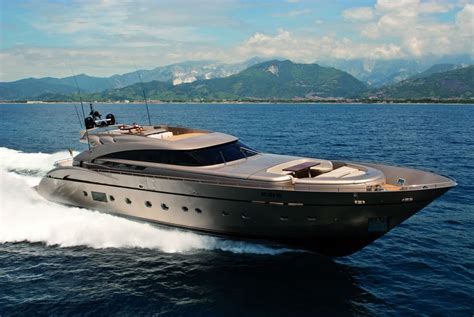 yacht di lusso interni yacht di lusso musa in sardegna am charter