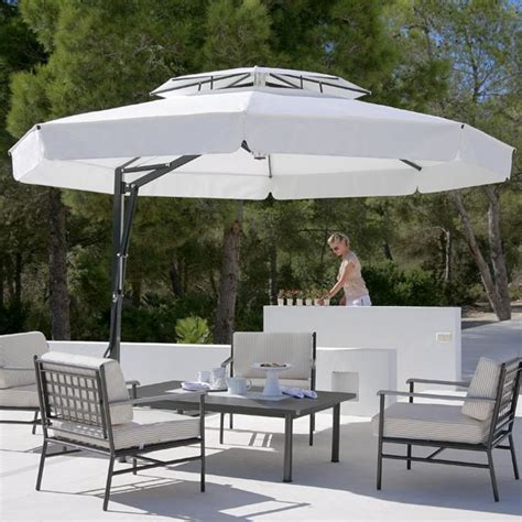 Outdoor Umbrella In Black And White Modern Patio Black And White Patio Umbrella