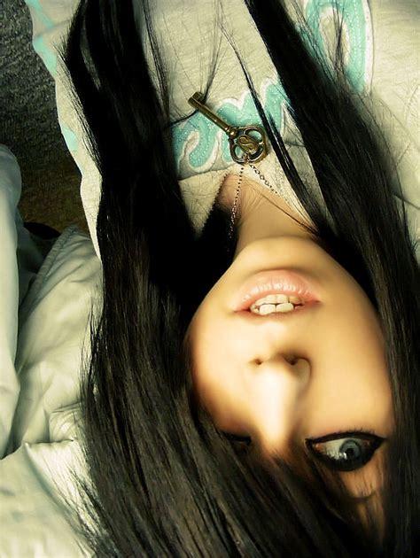 girl with black hair blue eyes teenage girl hairstyles for long straight hair
