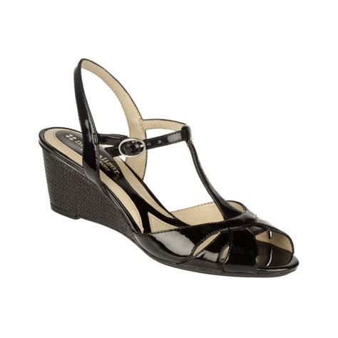 naturalizer holt wedge sandals in black black shiny lyst