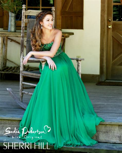 Sadie Robertson Sherri Hill Duck   photos duck dynasty s sadie robertson modeling live