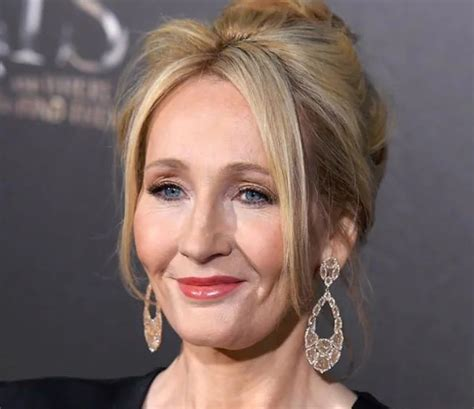 biography of jk rowling in hindi j k rowling height weight bra size measurements