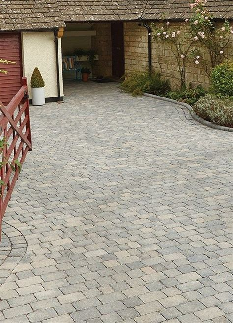Cheap Garden Paving Ideas Best 25 Driveway Paving Ideas On Cheap Paving Ideas Driveway Paving Near Me And