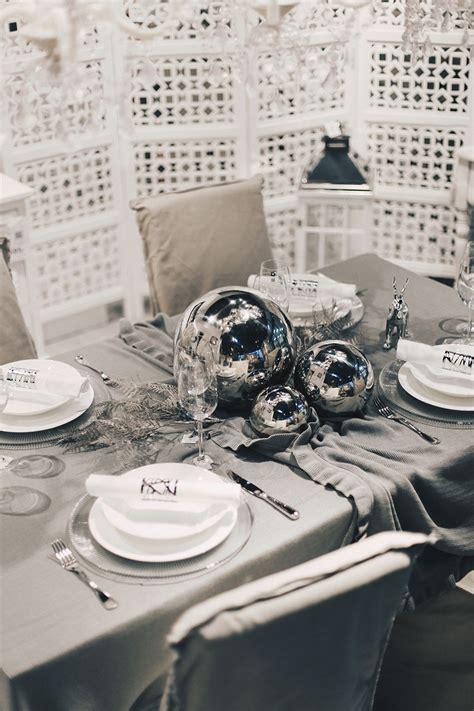 tisch dekorieren tipps minimalistische tisch deko zu weihnachten tipps und tricks