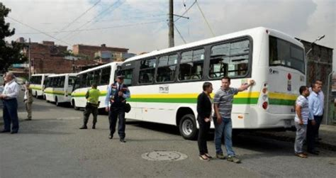 buses alimentadores metro medellin metropl 250 s feeder routes featuring 253 ngvs officially