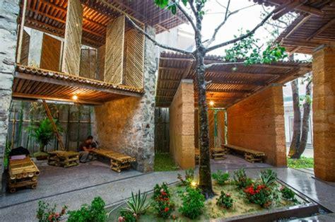 garten häuser nachhaltige gartenh 228 user aus bambus und stein h p