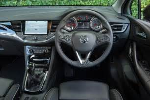 Opel Astra Interior New Vauxhall Astra 2015 Review Pictures Auto Express
