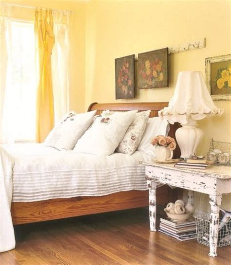 Yellow Walls In Bedroom by Yellow Decor Decorating With Yellow