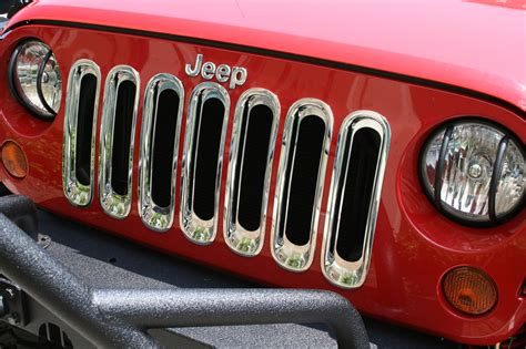 chrome jeep rugged ridge 11306 20 grille inserts in chrome for 07 18