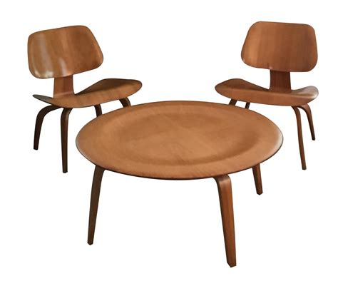 Eames Table And Chairs by Eames Coffee Table And Chairs 3 Chairish