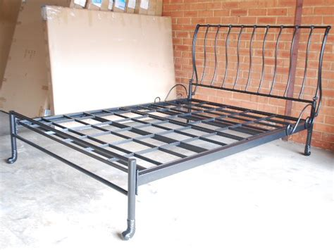 queen sleigh bed frame hand made classic iron sleigh bed frame castings queen 001