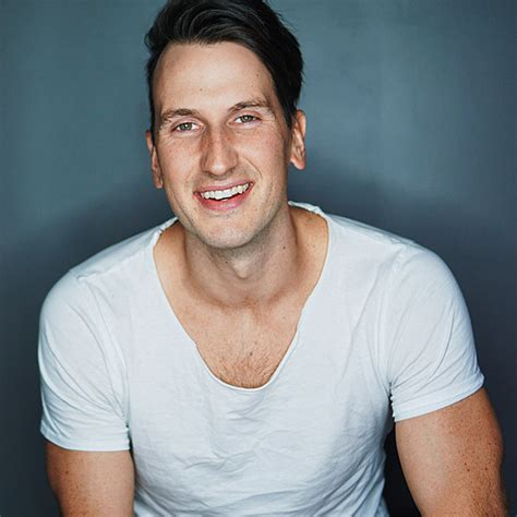 russell dickerson june 2 vote for the taste of country risers hot seat poll closed