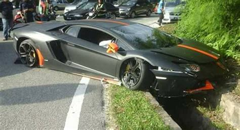 Lamborghini Aventador Crash Matte Black And Orange Lamborghini Aventador Crashes In