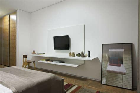 schlafzimmer ideen mit halbhö wand 35 kreative gestaltungen mit tv wandschrank