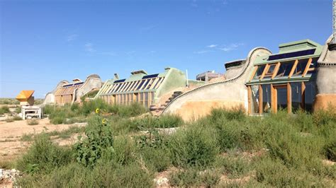 earthships  sustainable homes    junk cnn