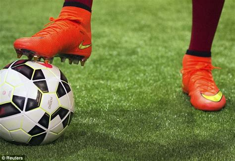 Sepatu Futsal Nike Mercurial Magista Onde Orange Replika Import cristiano ronaldo unveils nike mercurial superfly boots