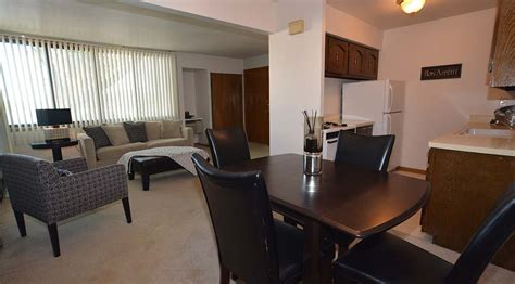 3 bedroom apartments milwaukee wi woodland court