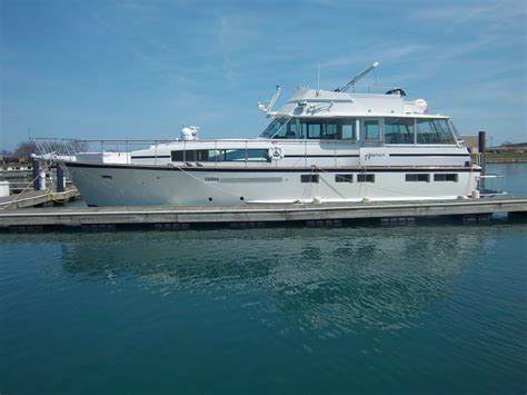chicago boat charters chicago yacht rental yacht charter in chicago boat