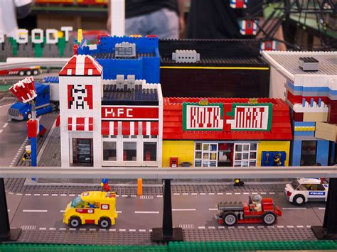 a e kfc and the kwik e mart blogged at www thelegowoman com