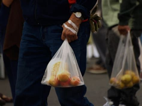 Rupert Goes Back To Plastic Bags by Richmond S Plastic Bag Ban Goes Into Effect Wednesday