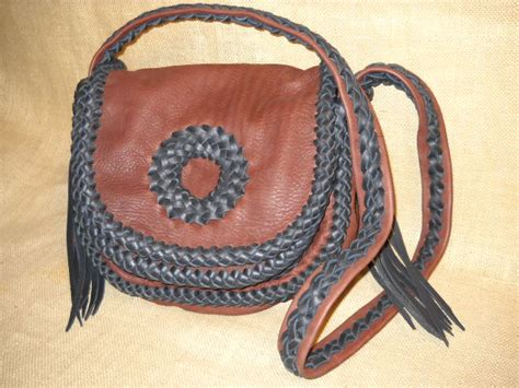 custom handmade leather shoulder bags offering
