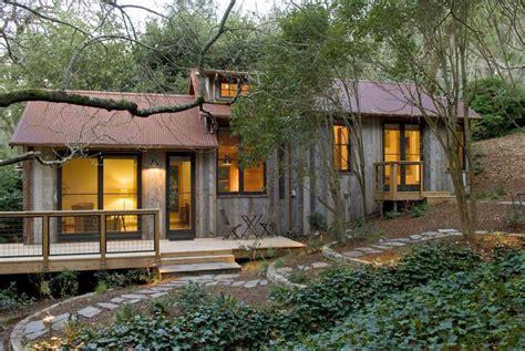 smell  calmness   cozy rustic barn cabin