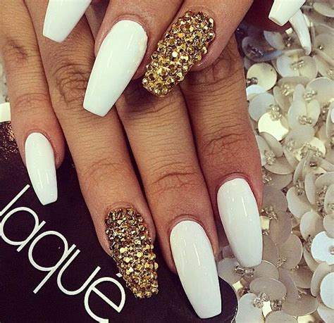 Pedi Trend Of The Moment White by Bronce Pretty Gorgeous Nails Birthday