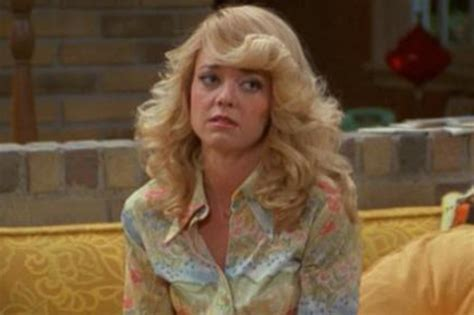 lisa robin kelly that 70s show laurie 12 tv characters that completely vanished from their shows