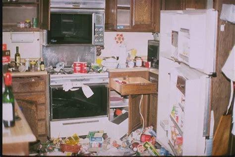 ufficio registro desio danni all appartamento e poteri conduttore regole e