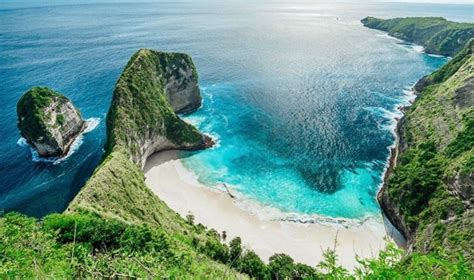 bali     holiday destination  year