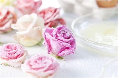 Hochzeitstorte Verzieren by Zuckerblumen F 252 R Tortendeko Selber Machen Gezuckerte