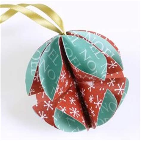 easy home made christmas decorations paper christmas decorations