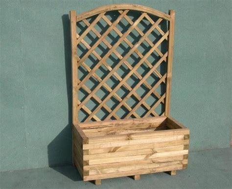 vasi legno fioriera con grigliato vasi e fioriere modelli di fioriere