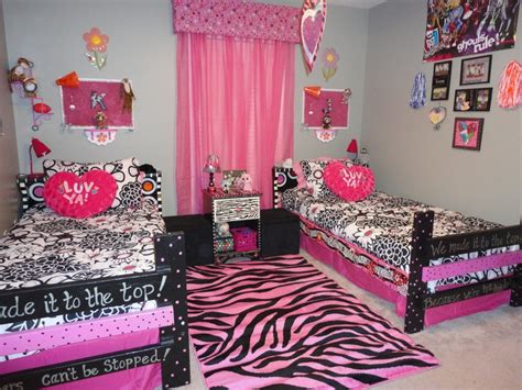 monster high bedrooms monster high room for girls home decor pinterest