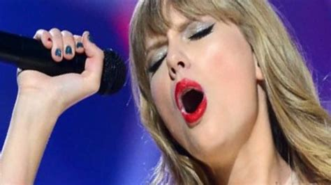 taylor swift duet with country singer taylor swift red live cma awards duet country everything