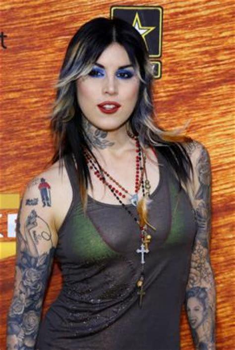 heavily tattooed women tattooed
