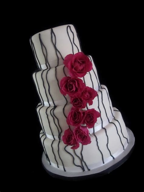 Wedding Cake Northton by Modern The Twisted Sifter