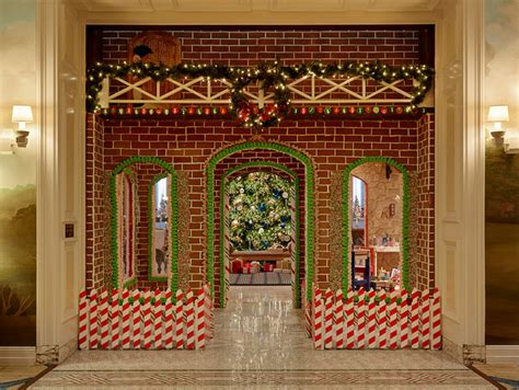 Gingerbread House Fairmont San Francisco by San Francisco S Fairmont Hotel Presents A Size