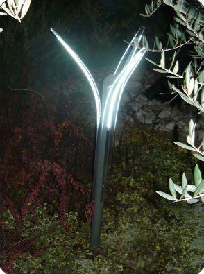 esempi illuminazione giardino 12 best images about lade da esterno linea minimalism