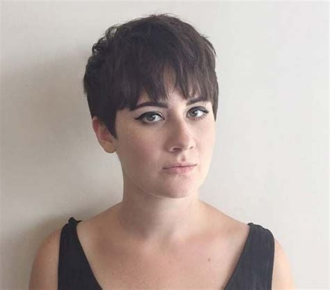 27 hot pixie cuts to copy in 2018 hairstyle guru pixie cut with blunt bangs www pixshark com images