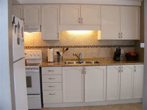 painting plastic kitchen cabinets plastic laminate kitchen cabinets alkamedia