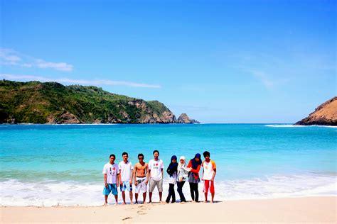 Situs Aborsi Lombok Liburan Ke Pantai Mawun Lombok Tengah Baiqwardiana