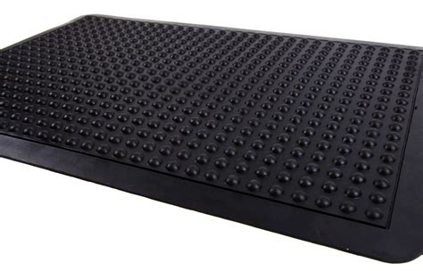 Anti Matting by Anti Fatigue Mats With Slip Preventing Pattern